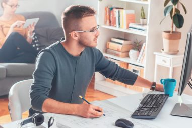 4 Essentials Items for Health and Wellbeing in a Home Office